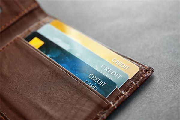 怎么计算信用卡逾期费用