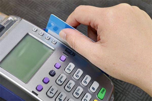 信用卡逾期还不上可以办理分期吗