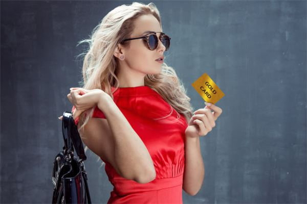 信用卡封停后还能申请新卡吗